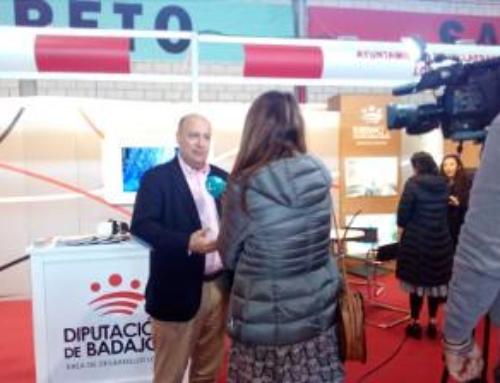 PROVINCIA – La Diputación de Badajoz está presente en la feria de muestras de Expobarros con un stand.
