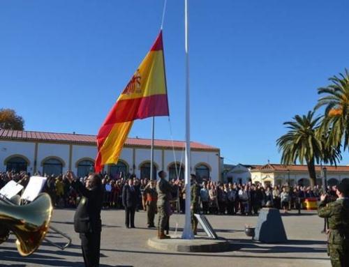 LOS SANTOS DE MAIMONA – La localidad estrecha sus lazos con la Brigada Extremadura XI con el acto de homenaje a la bandera el Día de la Constitución.