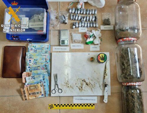 ORDEN PÚBLICO – La Guardia Civil interviene diferentes tipos de droga a dos vecinos de Arroyo de San Serván