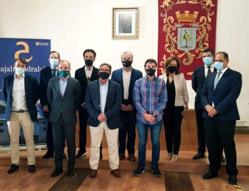 ALMENDRALEJO – El alcalde presenta Family Cash, el nuevo proyecto comercial que se implantará en la ciudad con 90 puestos de trabajo