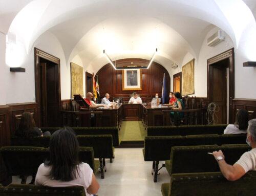 LOS SANTOS DE MAIMONA – La Corporación Municipal celebrará por primera vez el Pleno Ordinario de forma semipresencial y on-line.