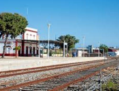 SUCESOS – Un tren arrolla a un coche en Zafra y una veintena de pasajeros serán traslados por carretera a su destino