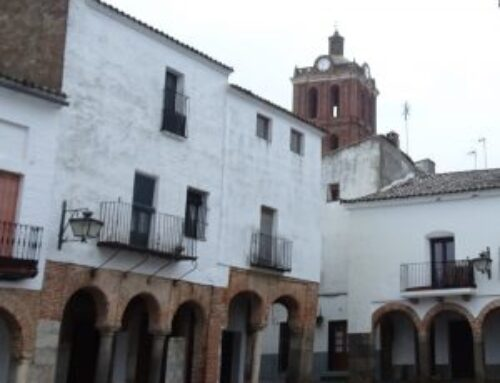 ZAFRA – Patrimonio garantizará la mejor restauración para la cruz de la plaza Chica, que ha sufrido importantes daños