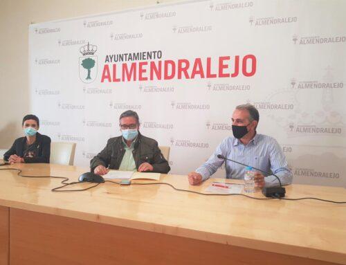 ALMENDRALEJO – El alcalde presenta las actuaciones que contempla el Plan Cohesiona de la Diputación de Badajoz