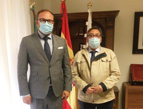 ALMENDRALEJO – El alcalde se reúne con el cónsul general de Rumanía en Sevilla