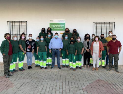 LOS SANTOS DE MAIMONA – 15 ALUMNOS SE ESTÁN FORMANDO EN LA ESCUELA PROFESIONAL DUAL 'EL PIROPO BLANCO' EN LA ESPECIALIDAD DE JARDINERÍA